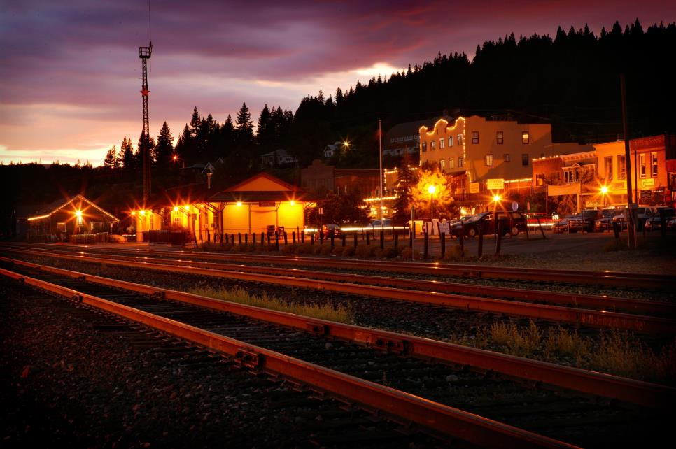Truckee at Night